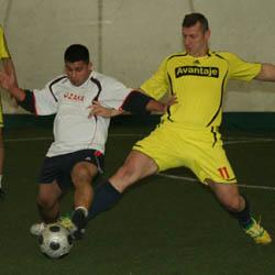 11 x 2 Claudiu Popa (Avantaje, nr. 11) a ratat un penalty la scorul de 1-0, insa echipa sa a castigat clar partida cu Ozana