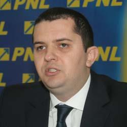 Alina Gorghiu şi-a trimis oamenii la Deva să tranşeze situaţia conducerii judeţene