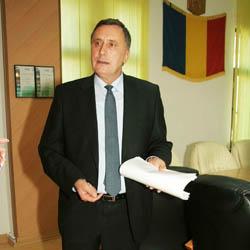 Nicolae Timis se va interesa personal, în calitate de deputat, de ce nu sunt despãgubiti oamenii care au terenuri sub lacurile de acumulare din Tara Hategului
