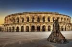 Oraşul Nîmes şi apeductul roman Pont-du-Gard