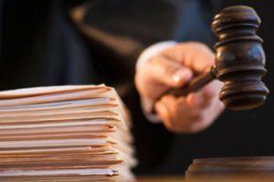 Proxenet trimis în judecată