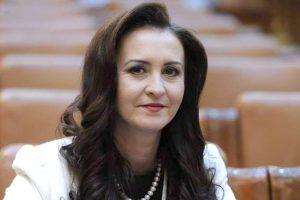 Judeţul Hunedoara s-a calificat  în procesul de selecţie pentru un program-pilot privind digitalizarea întregului act educaţional