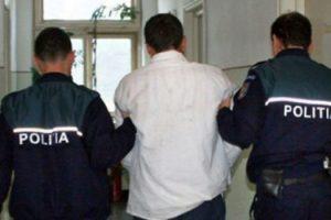 Hoţ, profilat pe jefuirea pensionarilor, prins de poliţişti