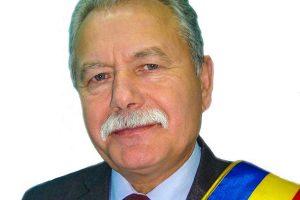 Primarul municipiului Vulcan a câştigat procesul cu un consilier local. Bun de plată, după ce l-a jignit pe Facebook