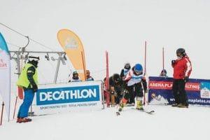 Weekendul familiilor la Arena Platoş Păltiniş: Sâmbătă şi duminică, cei mici şi cei mari se vor întrece pe sanie şi pe schiuri în cele două concursuri ale sezonului dedicate familiilor