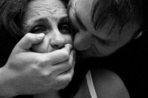 Angajată a spitalului din Hunedoara, agresată de un individ condamnat pentru viol și tâlhărie
