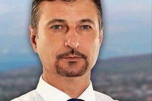 Primarii municipiilor Hunedoara şi Brad s-au supărat pe şeful Consiliului Judeţean