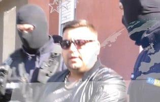 Descinderi la dealerii de droguri din Petroşani
