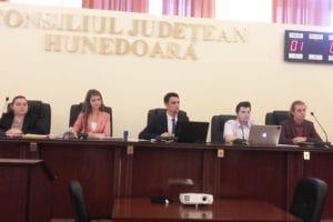 Consiliul Judeţean al Elevilor Hunedoara îşi coagulează echipa